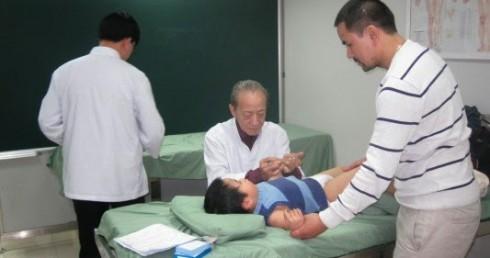 Lớp Tập Huấn Châm Cứu Truyền Nghề của Giáo Sư Nguyễn Tài Thu Tại Bệnh viện Nguyễn Tri Phương TP. Hồ Chí Minh P10